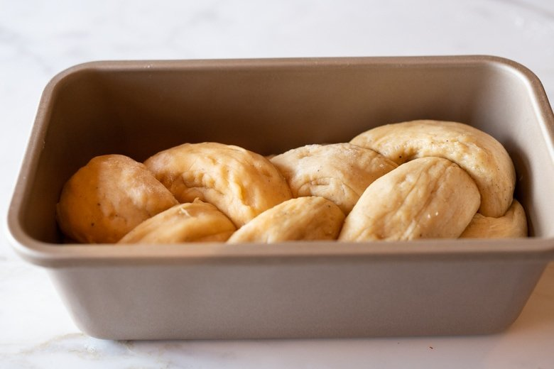 how to make Finnish Pulla Bread