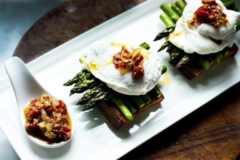 Asparagus Toast with Poached Egg and Warm Bacon Vinaigrette | www.feastingathome.com