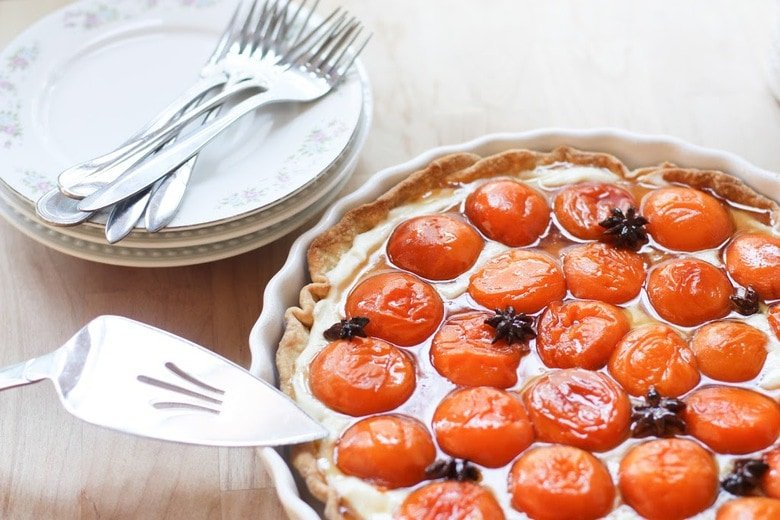 Honey Roasted Apricot Tart with Mascarpone Cream and Star ...
