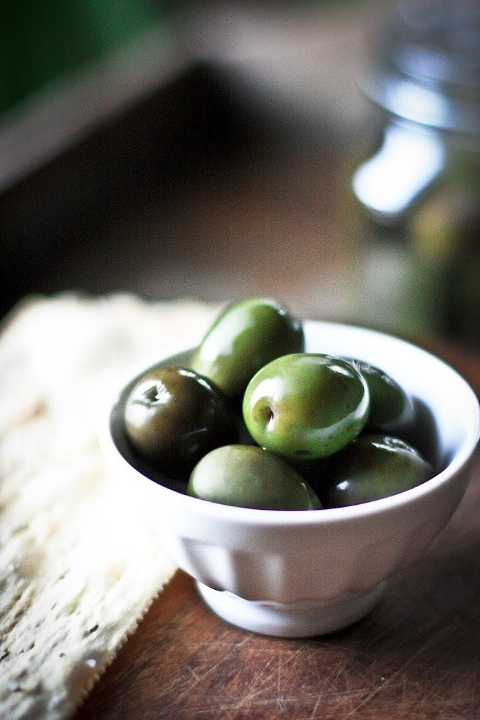 Home-Cured Olives | www.feastingathome.com