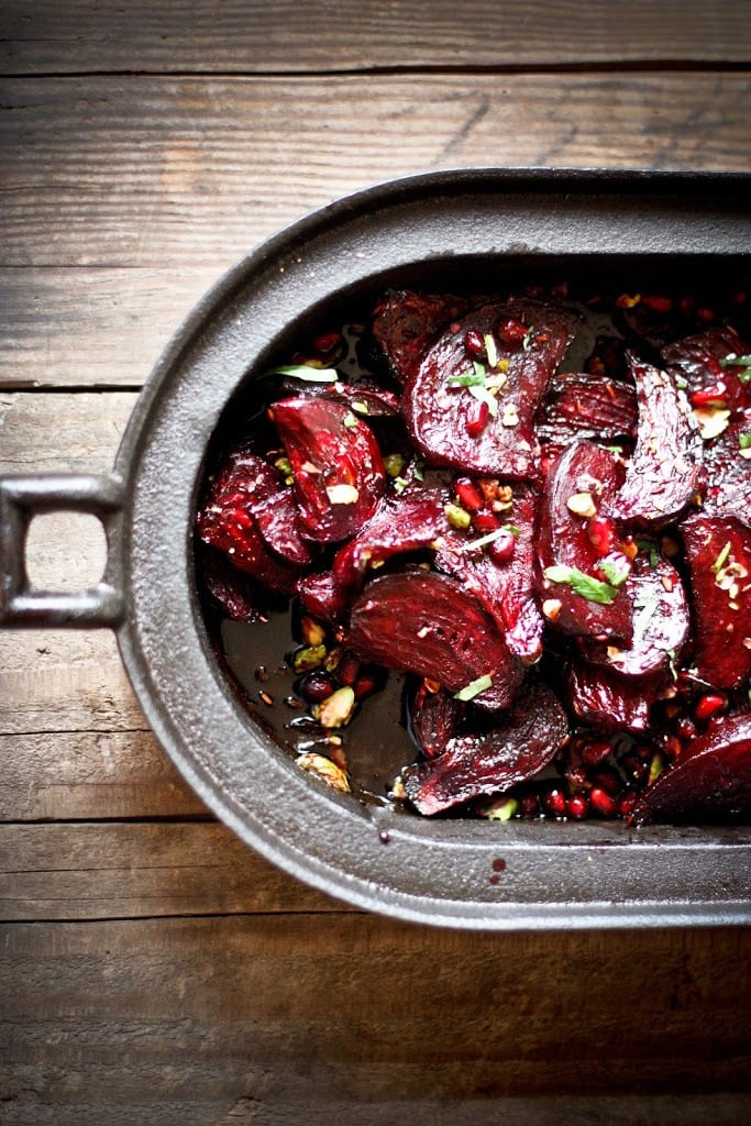Moroccan Roasted Beets with Pomegranate Seeds, toasted pistachios and a balsamic glaze. #moroccanbeets #roastedbeets