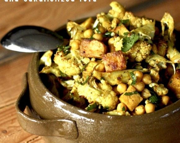 Indian Cauliflower with Chickpeas and Caramelized Tofu seasoned with Madras Curry - a flavorful and delicious vegan dinner! #indiancauliflower #vegandinner