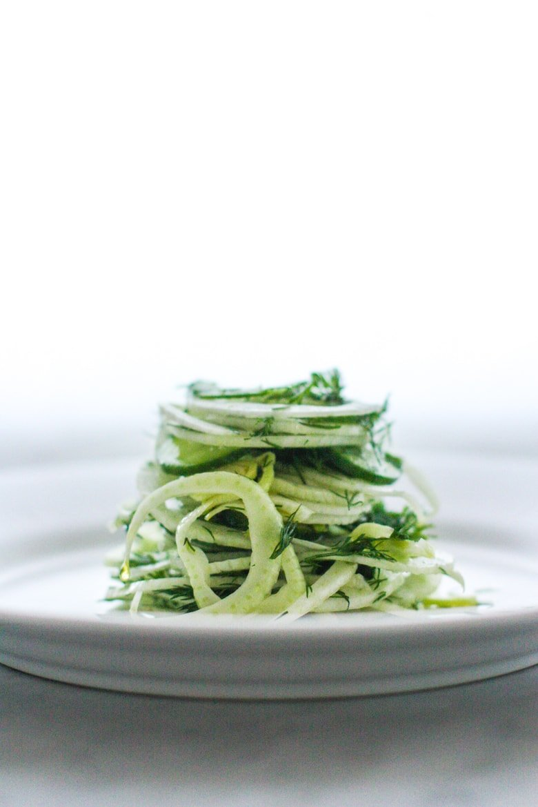 Fennel Salad with Cucumber and Dill - a refreshing vegan salad that can be made ahead! #fennelsalad #vegansalad #cleaneating #eatclean #veganrecipes #plantbased #healthysalad