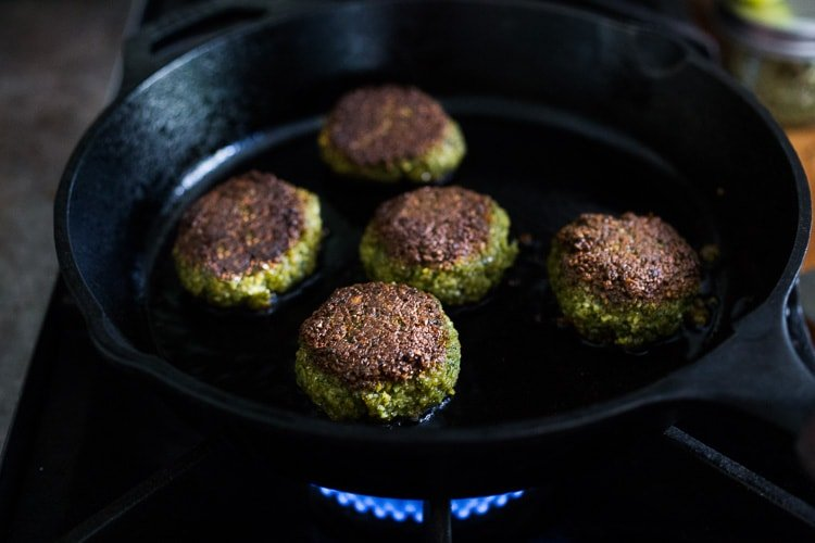 How to make Authentic Falafels made with soaked chickpeas, not canned. This recipe, hands-down has the BEST texture and flavor! Vegan and Gluten-free. | #falafel #falafels #falafelrecipe #bestfalafel, #veganfalafelrecipe #easyfalafel #authenticfalafel #easyfalafels