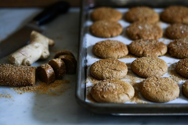 Chewy Triple Ginger Cookies, with three kinds of ginger- ground ginger, fresh raw ginger and candied ginger! #gingercookie #holidaycookie #chrismascookie #molassescookie | www.feastingathome.com