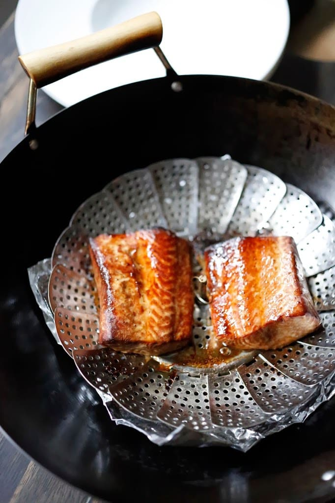 Tea-smoked Five Spice Salmon, sounds complicated but couldn't be more simple. All you need is a wok! Easy step by step recipe for an elegant meal.  | www.feastingathome.com #fivespicesalmon #teasmokedsalmon #salmon