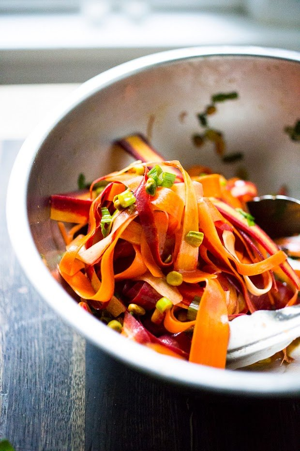 Moroccan Carrot Salad with Pistachios and Mint- a simple delicious spring salad that is full of flavor! #carrot #carrotsalad #moroccan