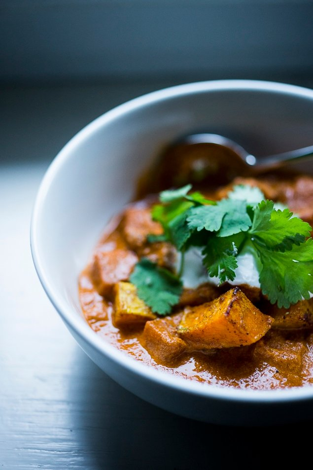 Roasted Butternut Tikka Masala with fragrant Indian tomato curry sauce. Add chicken or chickpeas. Vegan, Gluten Free! | #butternut #tikkamasala | www.feastingathome.com