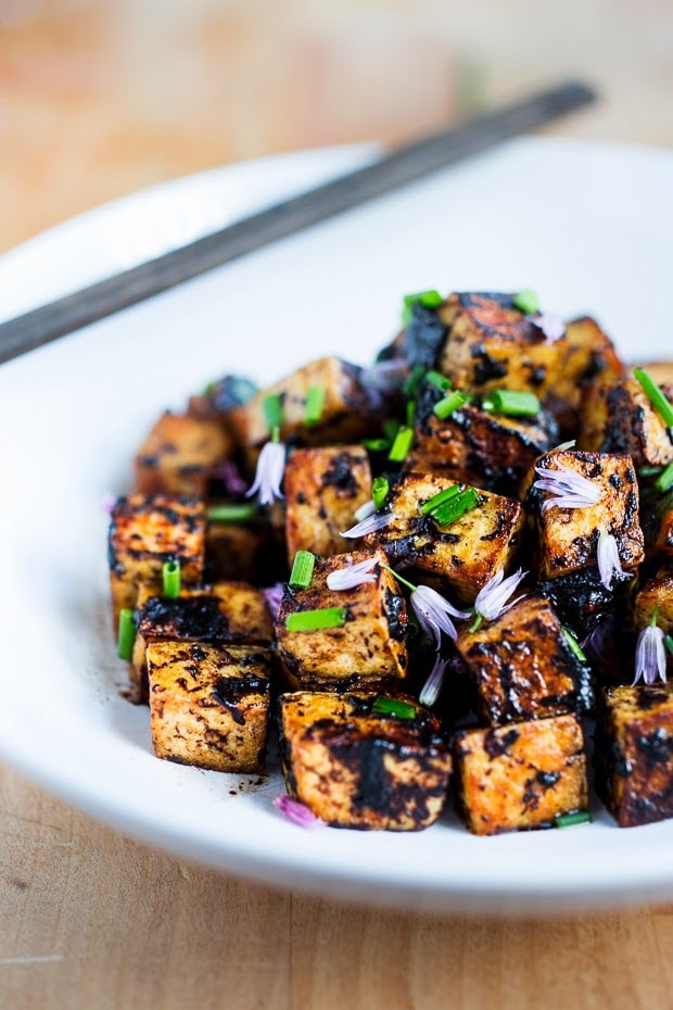 Black Garlic Tofu + 10 cozy, Rut-Busting Fall recipes to help inspire us to break us out of the habit of making the same old things this fall! | www.feastingathome.com