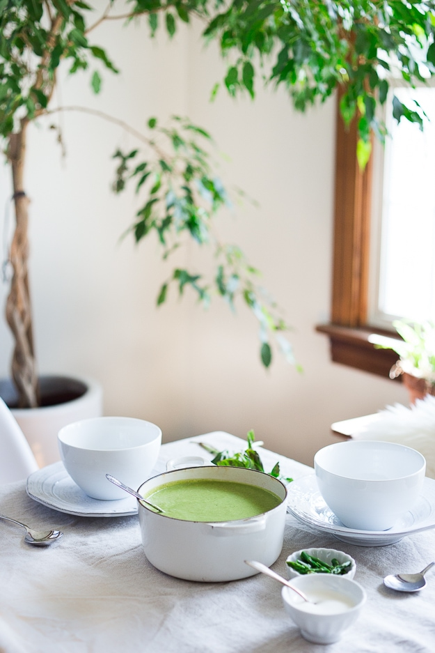 Creamy Asparagus Soup with Fennel and Tarragon| www.feastingathome.com
