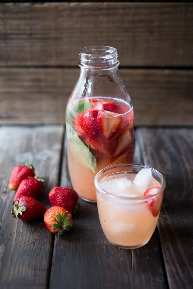 25 Immune-Boosting Foods and Recipes to help us support our bodies, bolster our immune system! || Strawberry Water Kefir, full of healthy probiotics, good for the gut, like Kombucha but BETTER and EASIER! A simple step by step guide | www.feastingathome.com