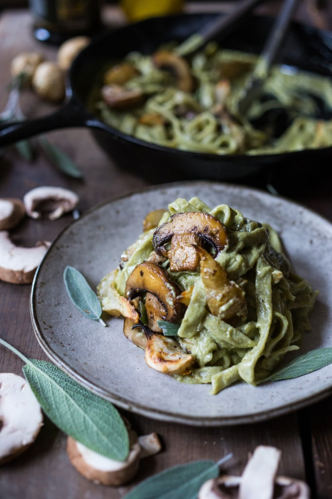 Vegan Mushroom Pasta with roasted sunchokes and a creamy vegan artichoke heart sauce ( use canned or frozen artichoke hearts) that can be made in under 30 minutes! Delicious, healthy, nut-free and totally vegan. #mushroompasta #veganpasta #roastedsunchokes #veganrecipes #plantbased #cleaneating #eatclean #vegan #sunchokerecipes #healthypastarecipes #artichoke #artichokesauce