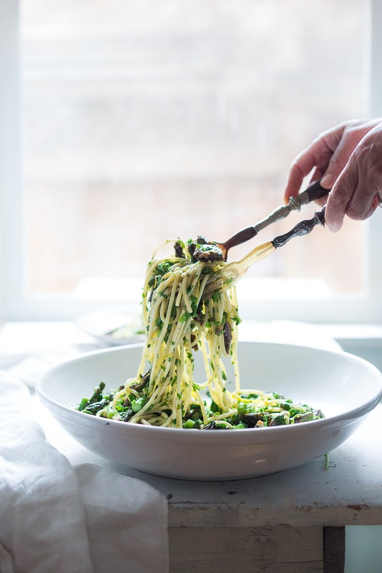 Spring Pasta Salad with Morels, Asparagus and Lemon Parsley Dressing | www.feastingathome.com
