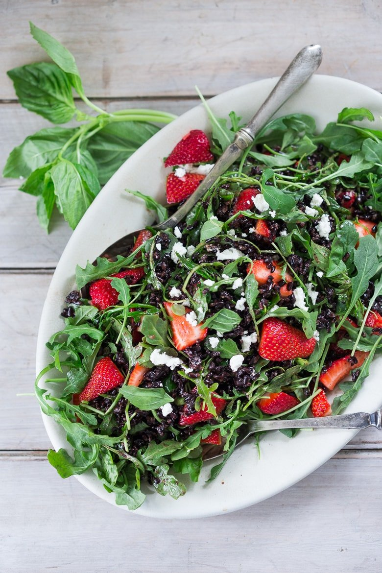 Strawberry Salad with black rice, arugula and goat cheese - a simple delicious salad recipe perfect for spring!