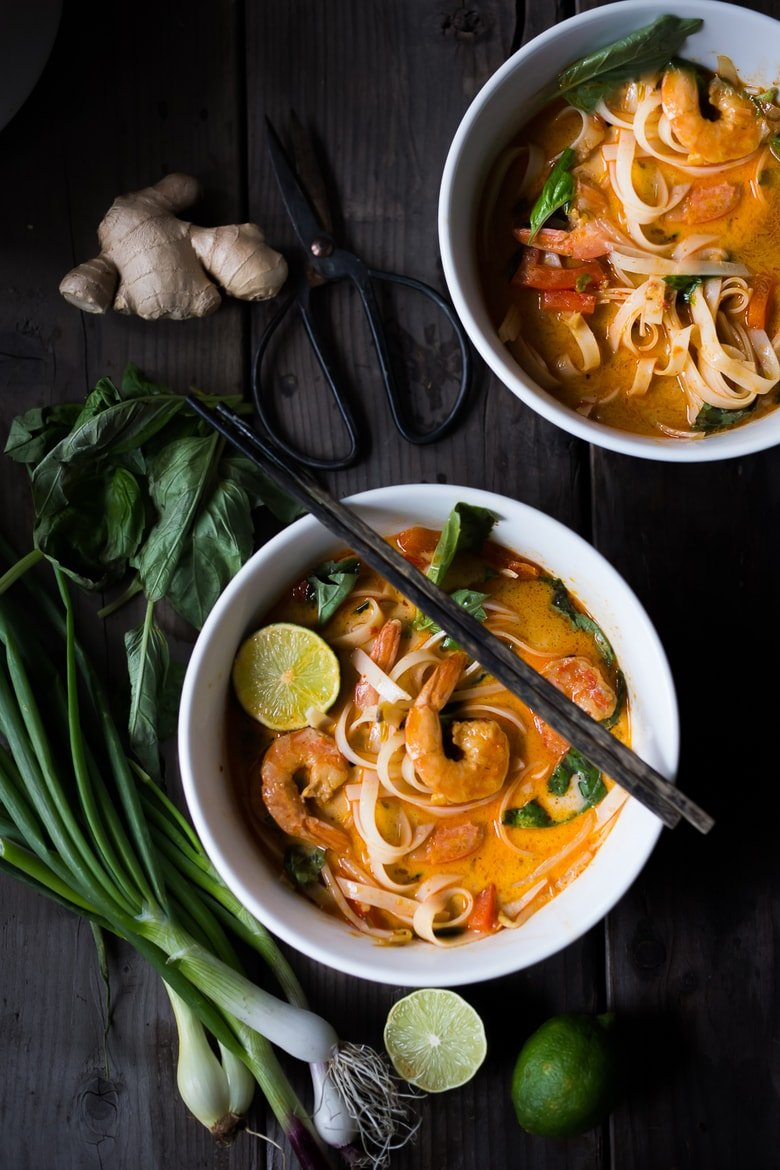 15 Minute Thai Coconut Curry Noodles- a Northern Thai dish called Khao Soi- fast, flavorful and so easy! | www.feastingathome.com