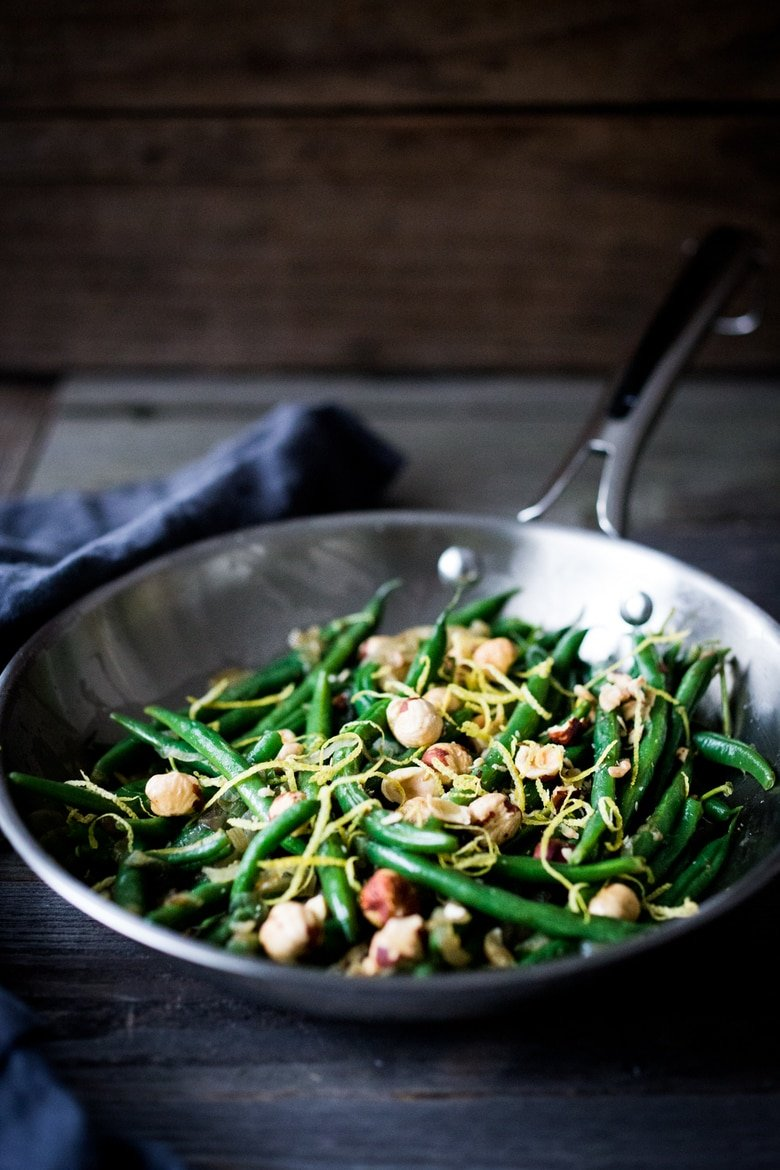 Green Beans with Hazelnuts and Lemon Zest -an easy, delicious, vegan, gluten-free side dish that can be made in 15 minutes flat! | www.feastingathome.com #greenbeans #vegansides #greenbeanrecipes #vegansidedishes