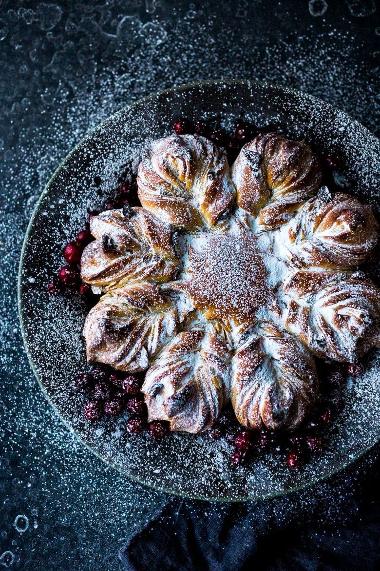 Cranberry Almond Star Bread with cardamon | www.feastingathome.com