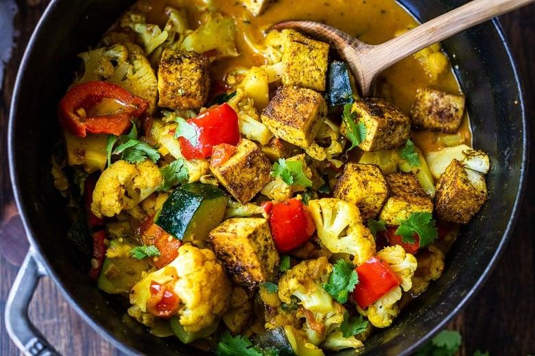 tikka masala with tofu in a pot