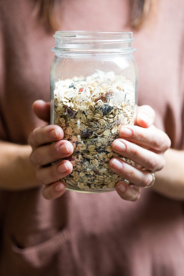 How to make Muesli! A lighter, healthier, sugar-free, low- fat alternative to granola! Gluten-free, vegan. #muesli #mueslirecipe #feastingathome #veganbreakfast