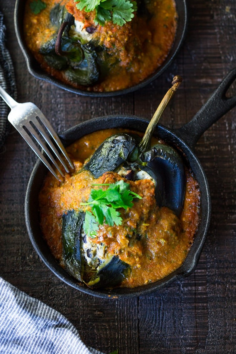 40 Mouthwatering Vegan Dinner Recipes!| Roasted Chile Rellenos- vegan-adaptable, lightened up and can be made on one sheet pan! #chilerelleno #vegandinner #vegan #eatclean