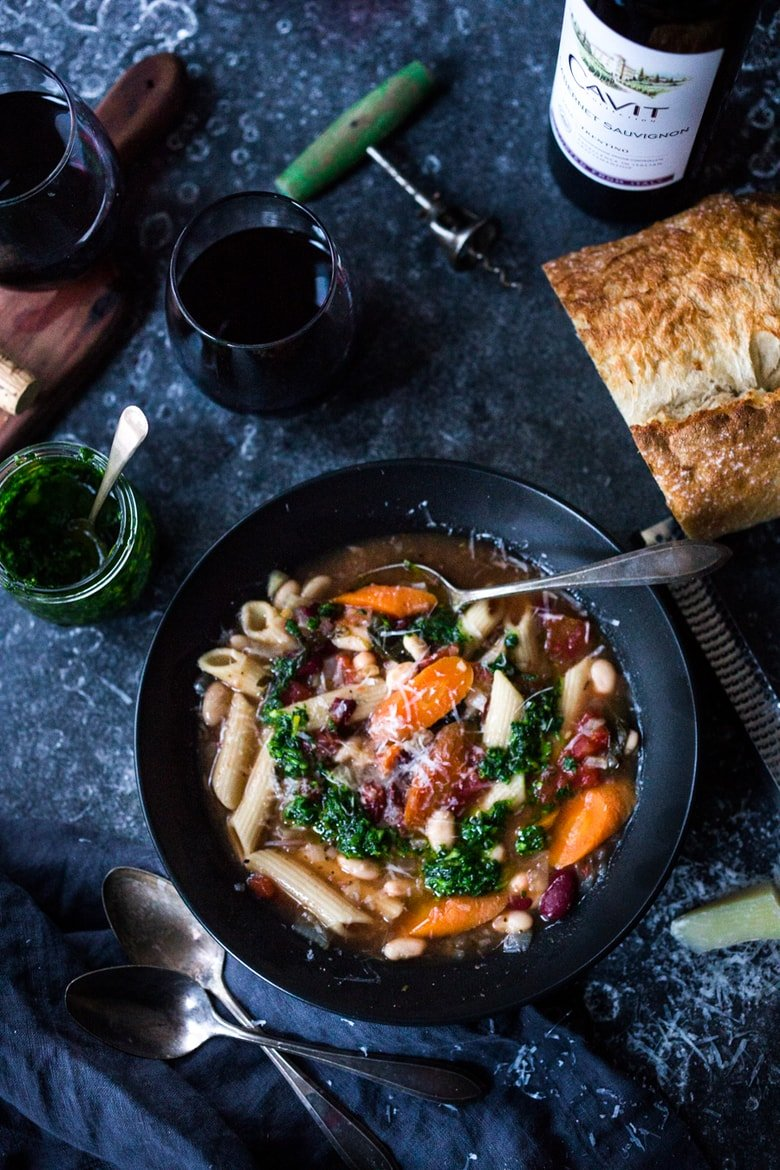 20 Mouthwatering VEGETARIAN Soups Recipes for FALL! ||Instant Pot Minestrone Soup with pasta and beans- a fast and healthy weeknight dinner that can be made in under 30 minutes. Cozy and comforting, this delicious hearty stew is vegan and gluten free adaptable! | www.feastingathome.com #instantpotminestrone