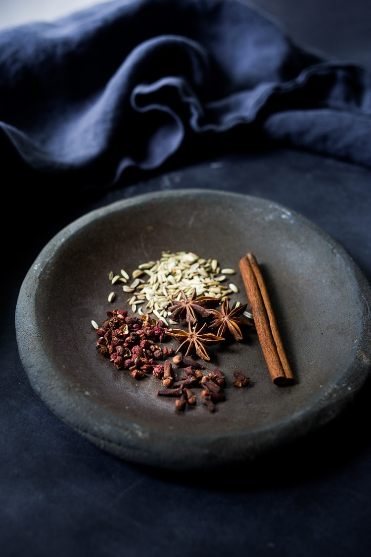 A simple authentic recipe for Chinese Five Spice that takes 5 minutes from start to finish!  #fivespice #chinese #spice