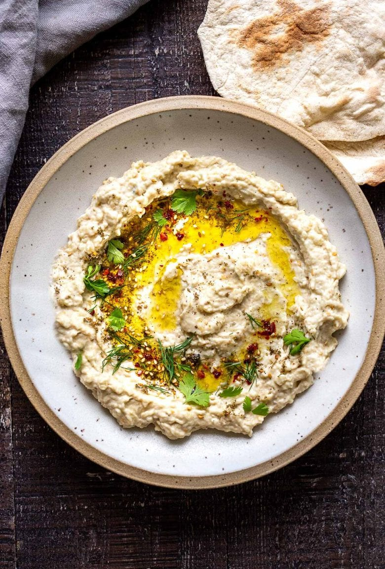 The best recipe for Baba Ganoush! Learn the one secret that will take your baba ganoush to the next level. Authentic, easy, healthy and so delicious! #babaganoush #eggplantdip