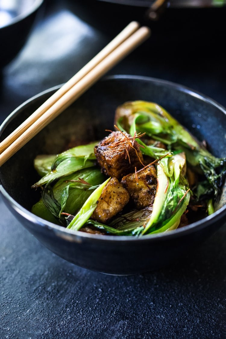 Black Pepper Tofu with Bok Choy - a simple healthy tofu stir fry that is vegan and can be made in under 30 minutes! Vegan and Gluten Free! #tofustirfry #tofustirfryreicpes #blackpeppertofu #vegan #healthystirfry #stirfry #tofu #bokchoy #veganstirfry