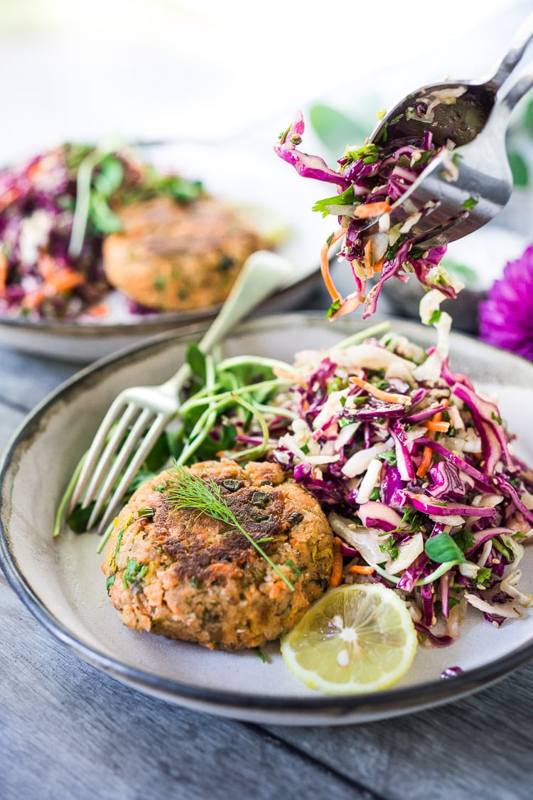 Quick and Easy Salmon Cakes- a simple pantry recipe that can be whipped up in 20 minutes, perfect for midweek meals! The recipe features 3 different variations - Asian Salmon Cakes, Mediterranean Salmon Cakes and Nordic-style Salmon Cakes! #salmoncakes #salmonpatties #cannedsalmoncakes