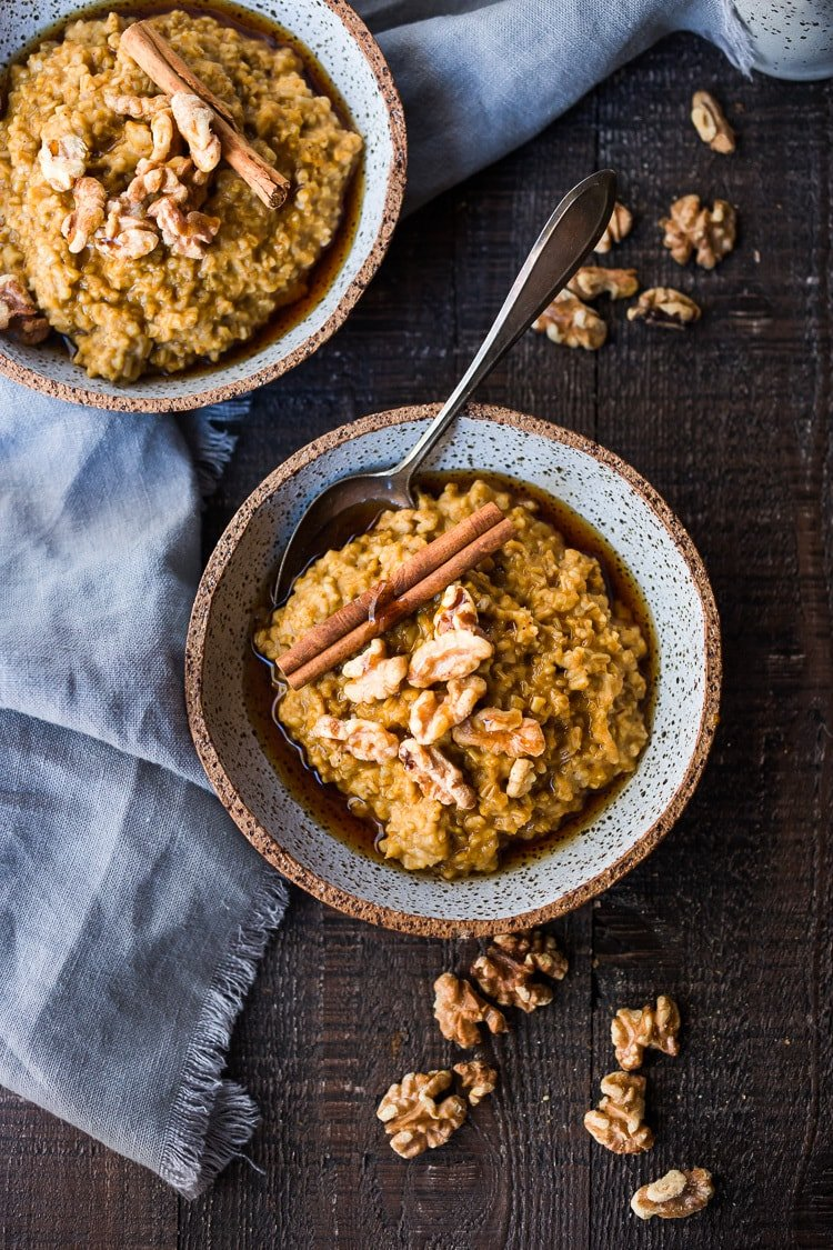 Instant Pot Steel Cut Oats with Pumpkin and Walnuts- a delicious healthy vegan breakfast perfect for fall! #instantpot #steelcutoats #pumpkinoats #veganbreakfast #veganoats #vegan #pumpkinoatmeal