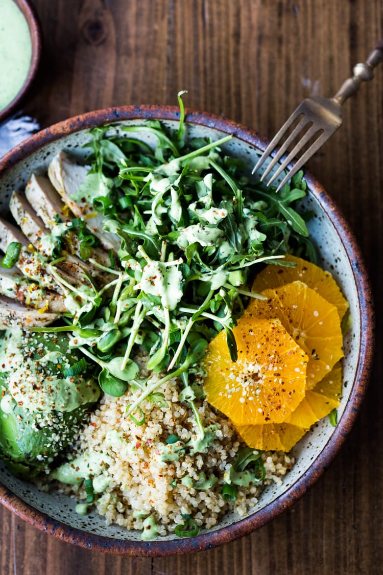 20 Summer Dinners for Hot Days! Lemony Chicken Arugula Quinoa Salad with Avocado and Creamy Basil Dressing- an easy low-carb, high protein salad that is full of amazing flavor! #salad #chickensalad #quinoa #quinoasalad #arugula #arugulasalad