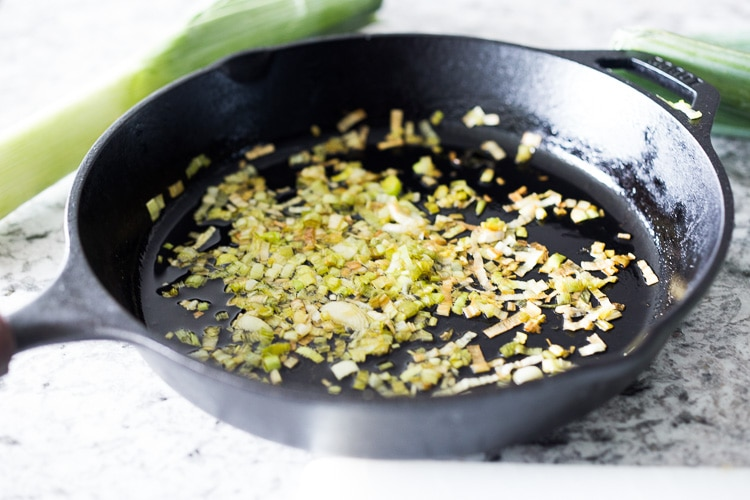 Lemony Leek Dressing - a simple full flavored dressing perfect for roasted veggies and salads. Heathy, vegan & delicious! #leek #leeks #leekvinaigrette #vinaigrette #vegansaladdressing