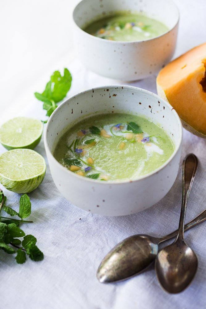 Cold Cucumber Melon Soup - an easy, healthy summer soup that can be served as an appetizer or light meal. Refreshing and delicious! #cucumbersoup #coldsoup #cantaloupesoup #coldmelonsoup #coldcucumbersoup