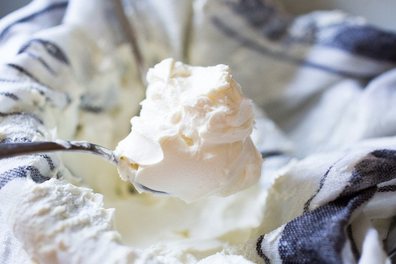 how to make labneh -easy labneh recipe