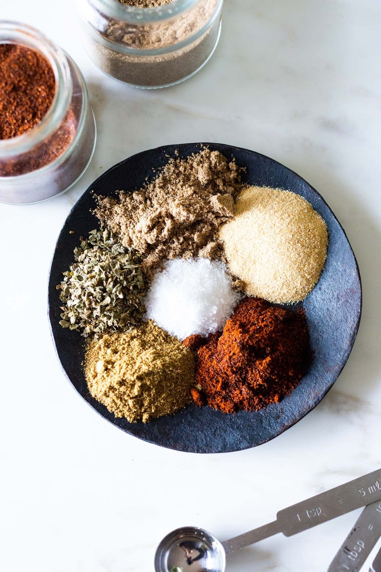 Spice up your next batch of Chili with Homemade Chili Seasoning! Made with simple spices you already have at home, this flavorful spice blend can be used on so many things- roasted potatoes, fish, chicken, or use as taco seasoning! #chiliseasoning #chili #spices #chilispice #tacoseasoning