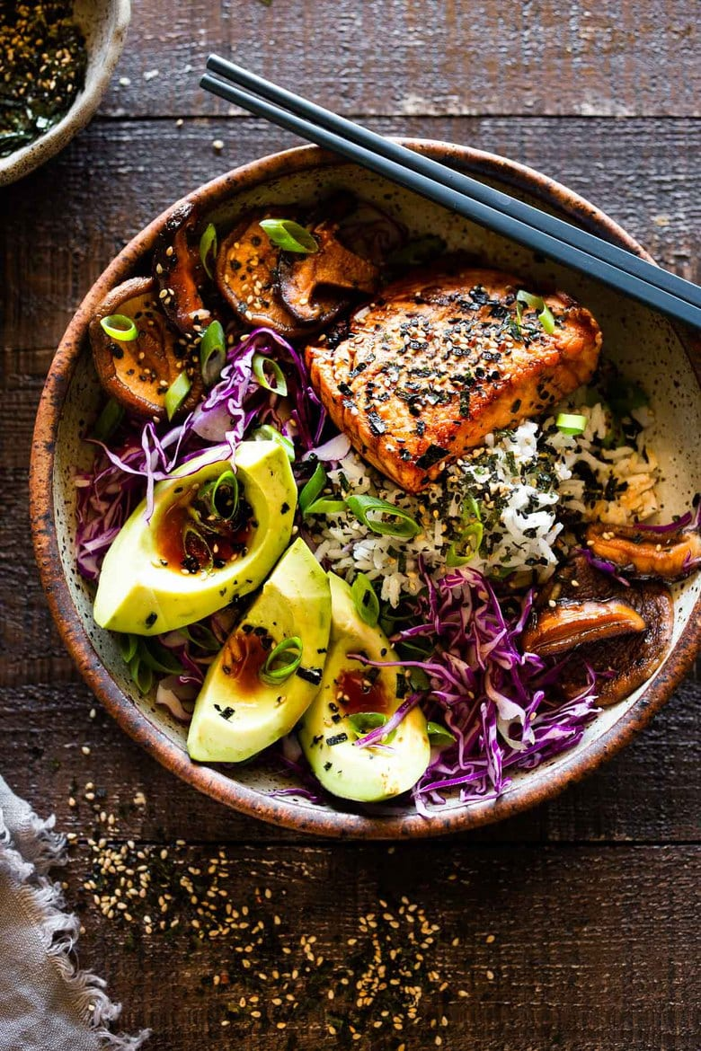 Furikake Salmon Bowls- a fast and easy weeknight dinner that can be made in 30 minutes. Fast, Healthy and delicious! #salmonbowl #keto #salmon