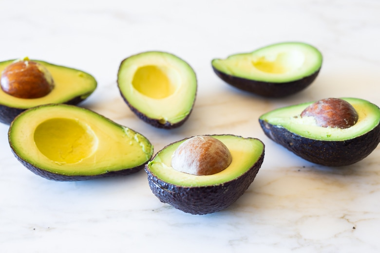 Avocado Salad with Japanese-style Ponzu Dressing- simple, delicious and vegan! #avocadosalad