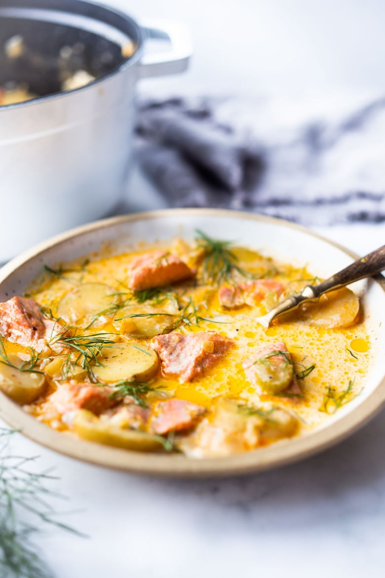 The best Salmon Chowder recipe using fresh salmon and fennel bulb, that can be made in about 30 minutes on the stovetop. Low carb, Keto and dairy-free adaptable! #salmonchowder #chowder