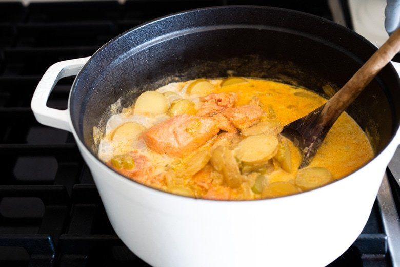 The best Salmon Chowder recipe using fresh salmon, that can be made in about 30 minutes on the stovetop. Fennel bulb gives this a lovely flavor, while a little smoked paprika adds a subtle smokiness without the addtion of bacon. Low carb, Keto and dairy-free adaptable!