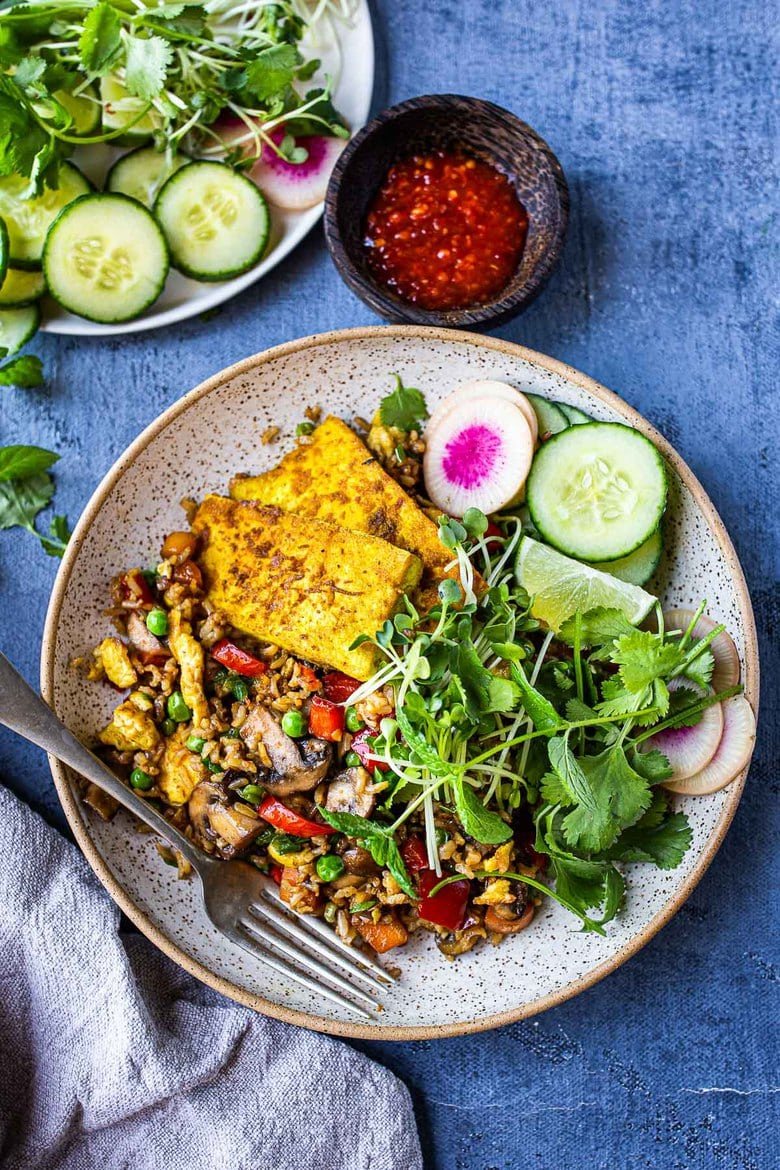 Our Best 25 Vegetarian Recipes | Vegetarian Nasi Goreng (Indonesian Fried Rice) loaded up with fresh veggies! Add egg or keep it vegan! Easy Tasty recipe! #nasigoreng