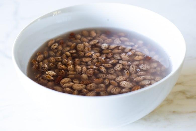 soaking pinto beans