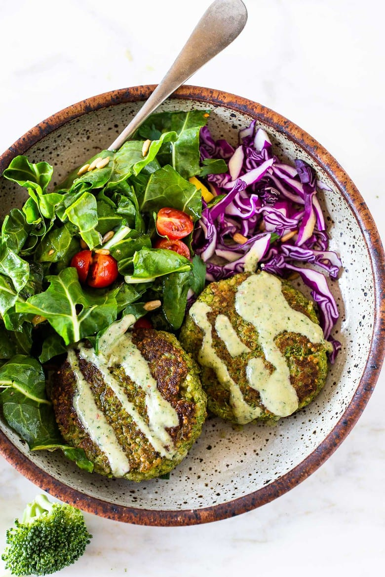 Our 20 BEST Vegetarian Recipes || These Broccoli Quinoa Cakes can be made in 30 minutes & are a delicious healthy meal that your whole family will love! #broccolicakes #quinoa #broccolirecipes