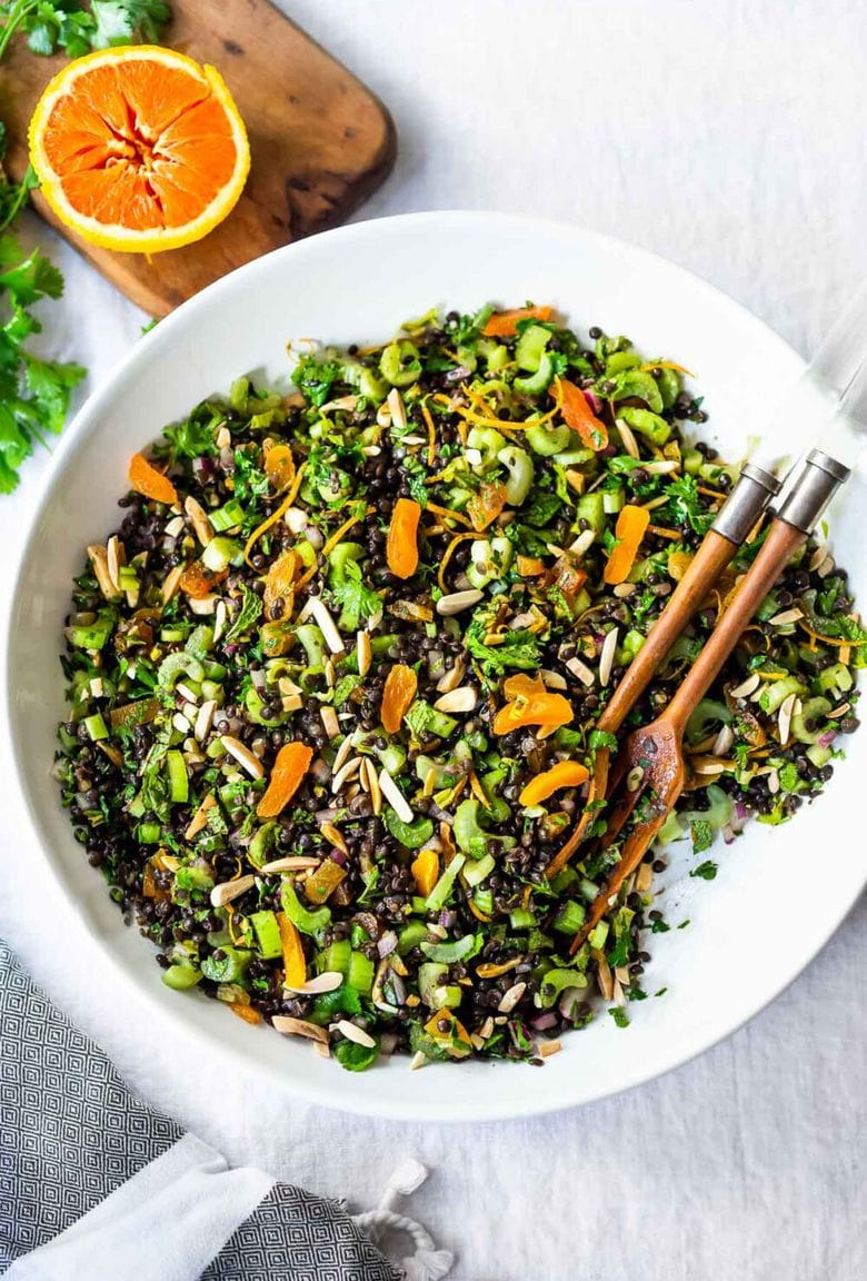 The BEST Lentil Salad infused with Moroccan Spices, this healthy vegan lentil salad can be made ahead and keeps for 4 days, perfect for healthy midweek lunches! #lentilsalad