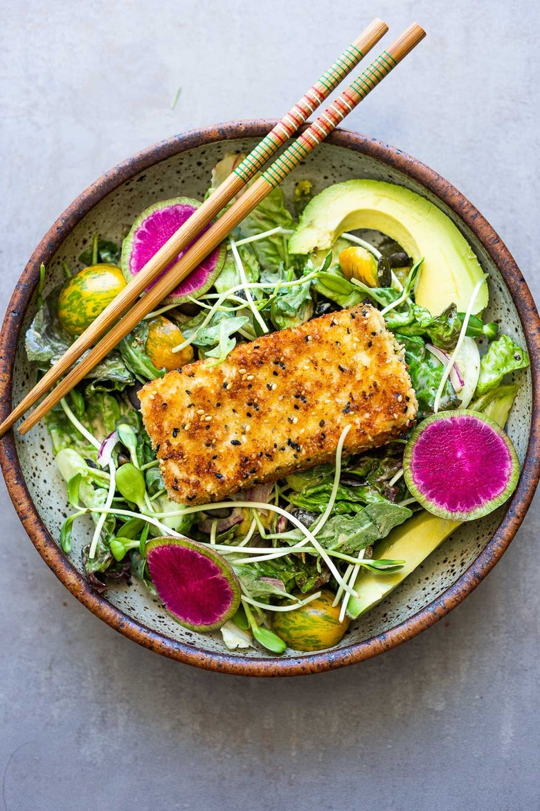 20 Summer Dinners for Hot Days! How to make Tofu Katsu- a Japanese style Tofu filet that crispy and flavorful to use in sandwiches, rice bowls or over salads! #katsu #vegetariankatsu #tofu #tofukatsu