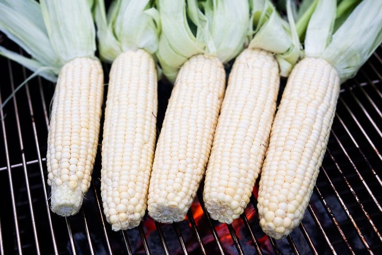 grilling corn on the grill