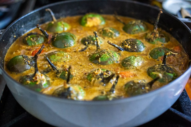 simmer the brinjal curry