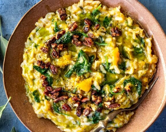 Cozy up with a comforting bowl of Butternut Risotto with Leeks and Spinach made with very little fuss, in your Instant Pot pressure cooker. Vegan-adaptable and Gluten-free.#butternut #butternutrisotto #instantpot #vegan