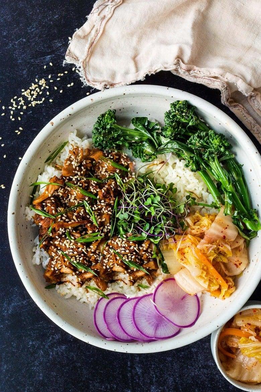 A Korean recipe for Vegan Bulgogi using jackfruit and the most flavorful sauce. Create a A vegan Bulgogi Bowl with rice, veggies and kimchi! #bulgogi #vegan bulgogi #jackfruit A Korean recipe for Vegan Bulgogi using jackfruit and the most flavorful sauce. Create a A vegan Bulgogi Bowl with rice, veggies and kimchi! #bulgogi #vegan bulgogi #jackfruit A Korean recipe for Vegan Bulgogi using jackfruit and the most flavorful sauce. Create a A vegan Bulgogi Bowl with rice, veggies and kimchi! #bulgogi #vegan bulgogi #jackfruit