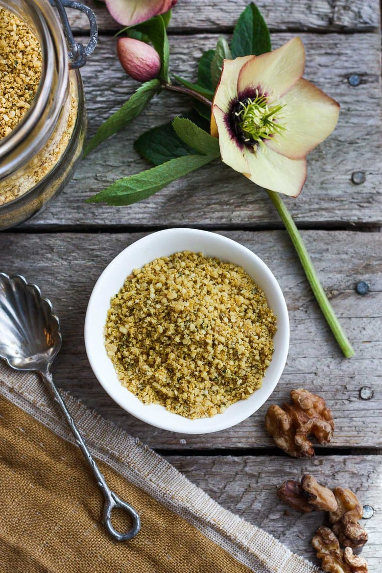 Vegan Cheesy Sprinkle! Give a little savory depth to your meals with thisdairy-free rich topping. Perfect for pasta dishes, soups, and salads- a great vegan substitute for parmesan cheese. Easy to make in less than 20 minutes!