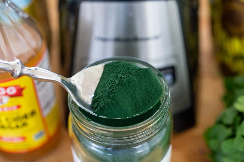 spirulina in a spoon